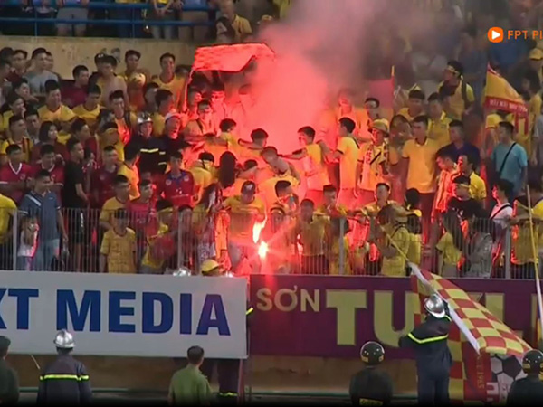 Điểm tin bóng đá Việt Nam 14/9 : Chủ tịch CLB Hà Nội bị kỷ luật