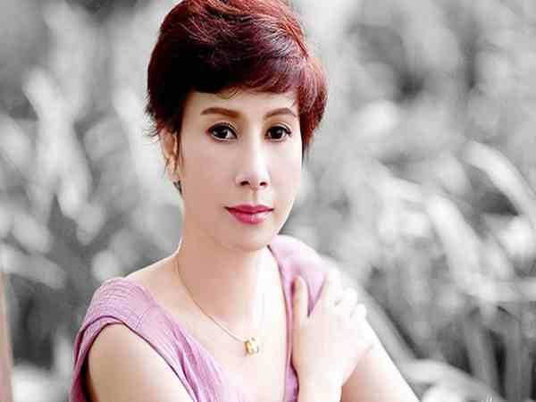 Nữ sinh năm 1980