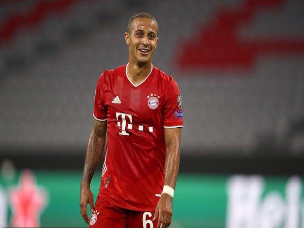 Liverpool chính thức biết giá tiền vệ Bayern