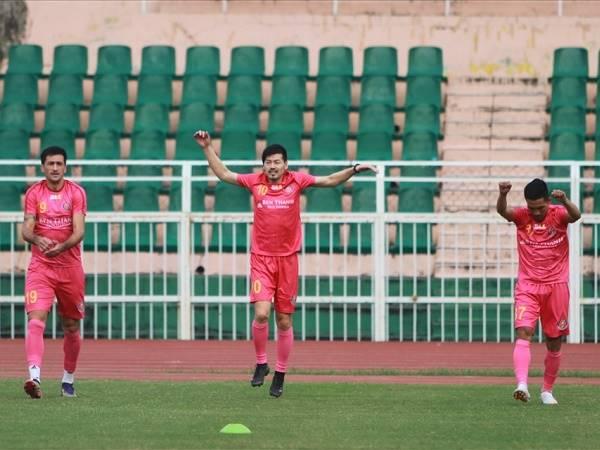 Bóng đá Việt Nam tối 7/2: Ngoại binh Nhật Bản chê mặt sân V-League xấu