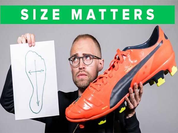 Cách chọn size giày đá bóng chính hãng vừa chân nhất