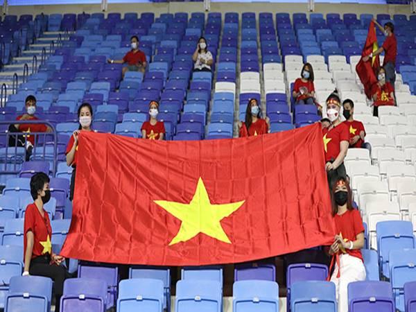 Bóng đá VN 11/6: CĐV Việt Nam sẽ nhuộm đỏ sân Al Maktoum